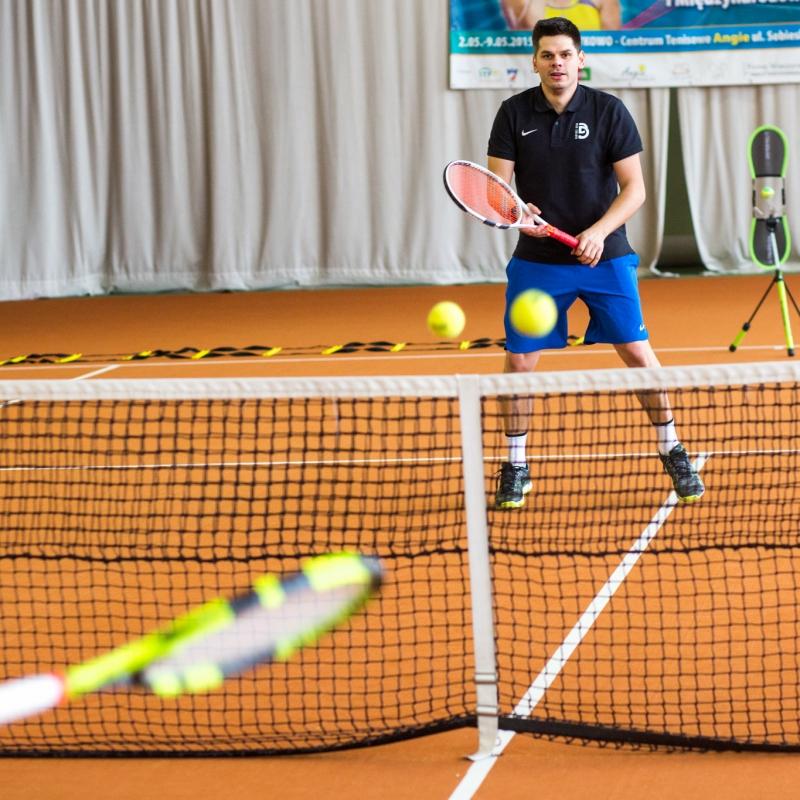 treningi-tenisa-pozna-nauka-tenisa-pozna-zajcia-z-tenisa-pozna-trener-tenisa-pozna4
